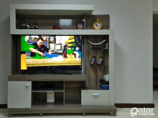 TV showcase table