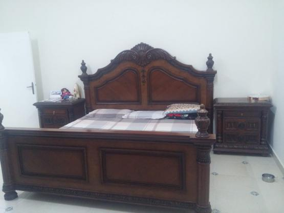 COMPLETE BEDROOM FURNITURE FOR SALE (NEGOTIABLE)