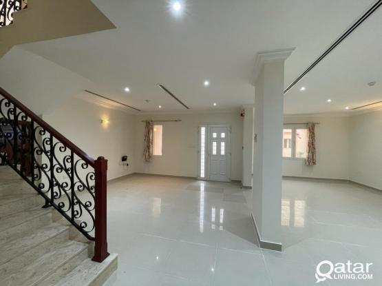 Luxury 4 BHk villa in Coy compound behind Aspire Al Mureikh area Qr10000/-.
