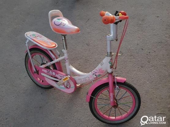 "14"" Bicycle - suitable for 4 to 6yrs girls"