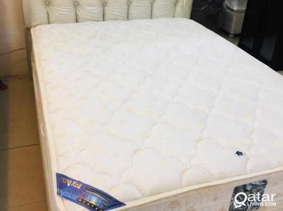 For sell queen size bed 200x150cm