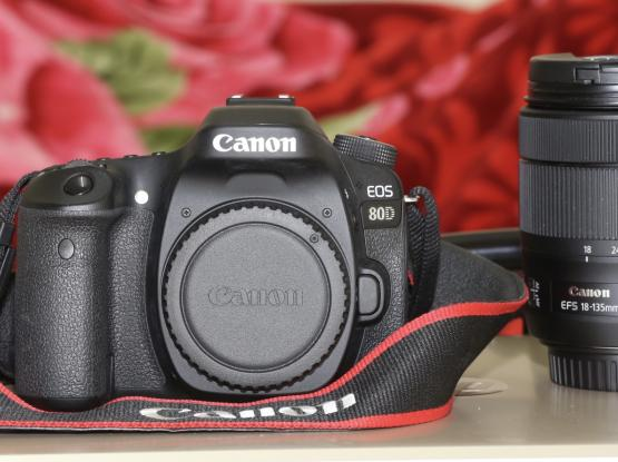 Canon 80D DSLR camera with Box and Memory card