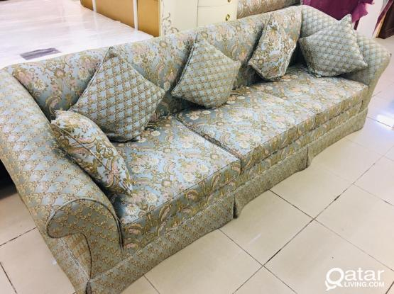 For sell 3 seater sofa length 280cm