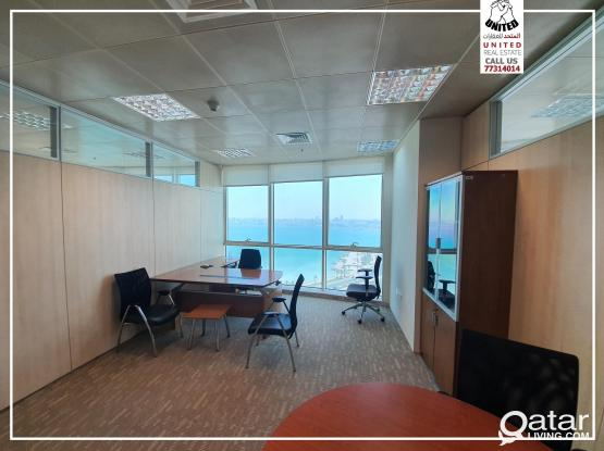 Office in Business Center Sea View (Rooms)مكاتب في الدفنه