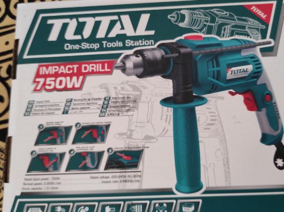 New Drill/ Hammer machine 750 Wats , Screw
