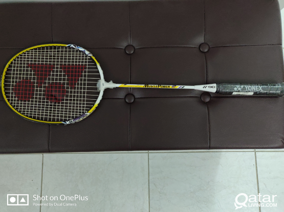 Yonex Badminton racket muscle power 2 with cover