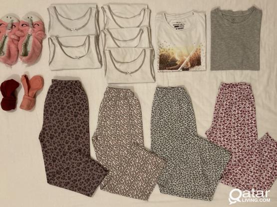 Girls Pyjamas / Home Wear (9 - 10 Years)