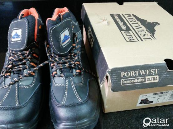 Safety shoes EU42 new delivery