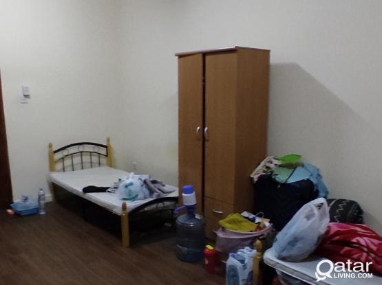 EXECUTIVE BACHELOR ROOMS IN FLATS NAJMA NEAR HOT BREAD BAKERRY