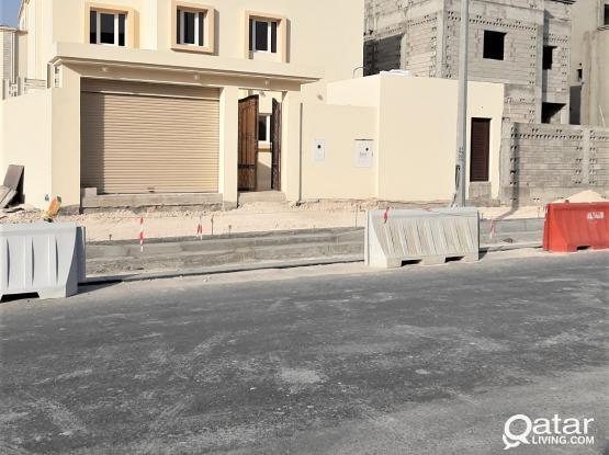 6 Master's + Driver's & Maid's Rooms in Al Mashaf - للبيع فيلا بمنطقة المشاف
