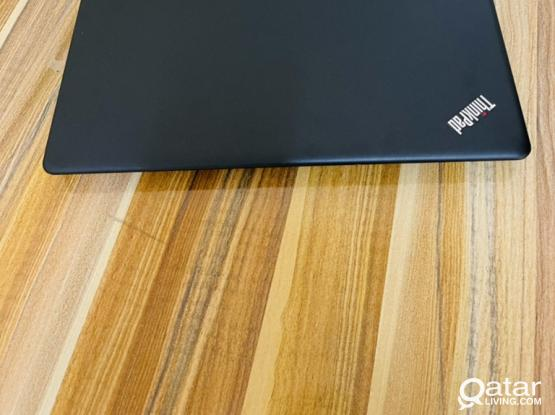 Lenovo thinkpad E570  Procesi5 memory:8.0 gb HDD 500 gb