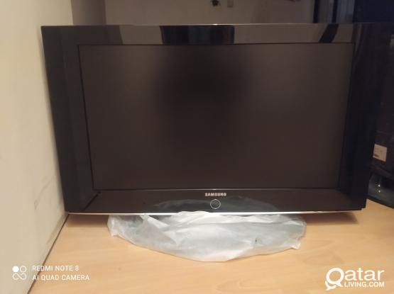 SAMSUNG 32 INCH LCD TV FOR SALE LOOK LIKE NEW 33083167