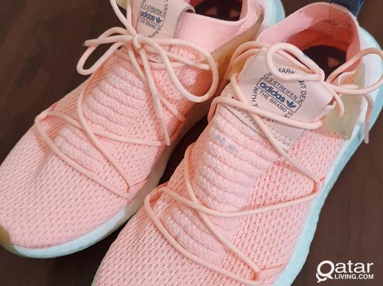 Adidas Ladies Running Shoes - size US 7 UK 5.5