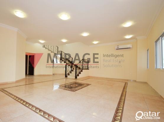 5-bed villa - Cozy Bachelor compound in Al Gharrafa  No Families