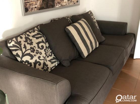 3 seaters sofa / not negociable