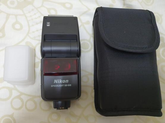 Nikon Flash Speedlite SB-600