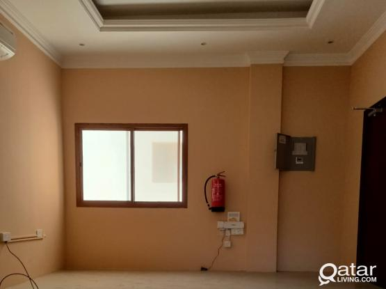 1 BHK unfurnished apartment available in fareej abdel aziz