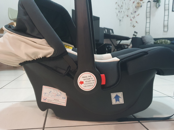 Baby carrier and car seat