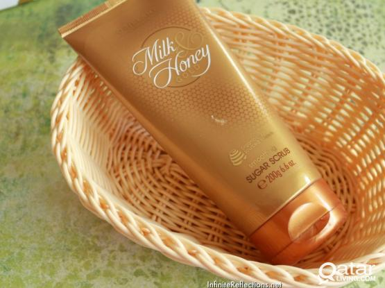 Oriflame Milk & Honey Sugar Scrub 200g