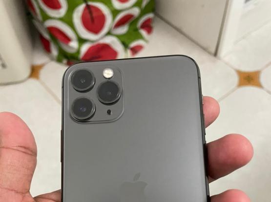 I Phone 11 Pro  Qr.3,200/- 256 GB With 95%