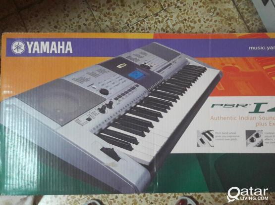 PIANO FOR SALE -YAMAHA PIANO PSR-I 425