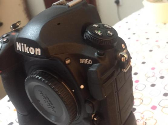 NIKON D850 BODY WITH  BATTERY GRIP (13K SHUTTERS ONLY)