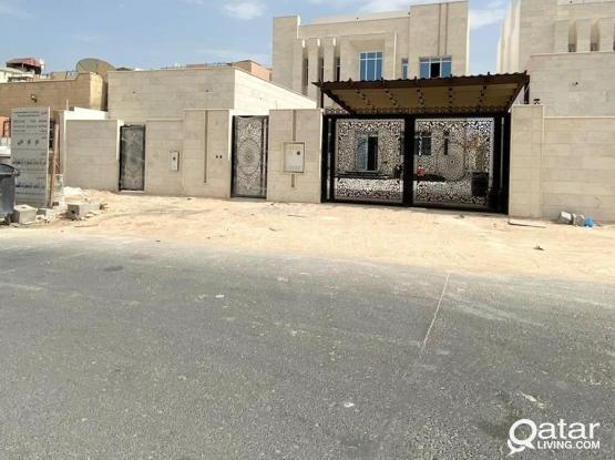 FOR SALE 9BR Independent VIlla in Izghawa - للبيع فيلا بمنطقة أزغوى