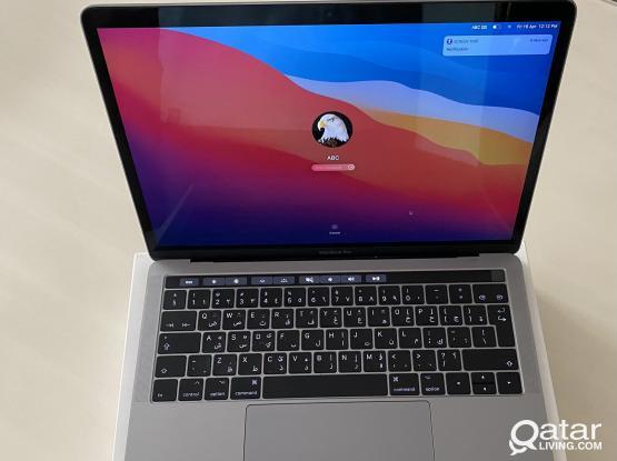 """Apple Macbook Pro 13"""" (2017 Model) w/ Touchbar"""