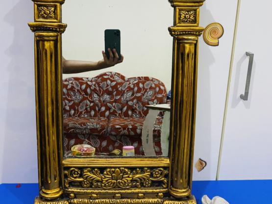 Beautiful Mirror For Sale Only 100