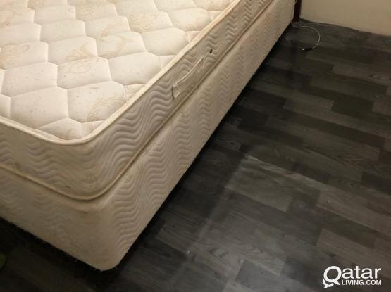 BED WITH MATRESS QR 300