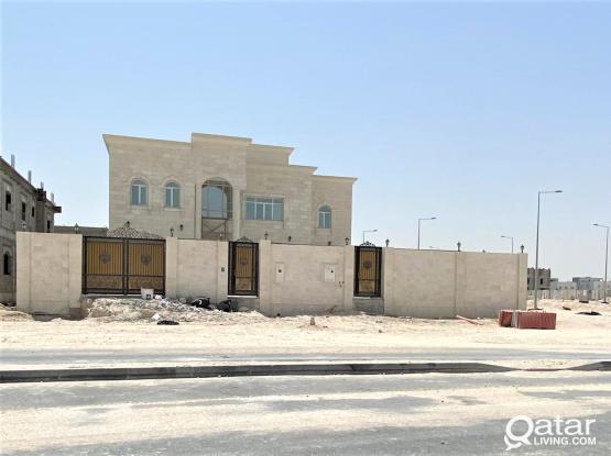 9BR Independent Villa For Sale in Al Themaid - للبيع فيلا بمنطقة الثميد