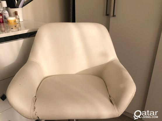 Chair for make-up