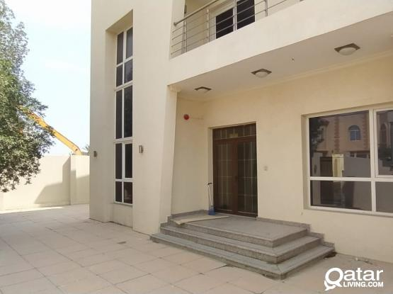 Semi commercial villa available in hilal