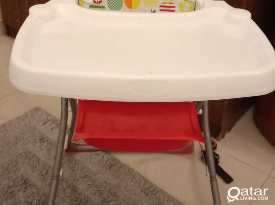 Kids High chair for feeding in good condition