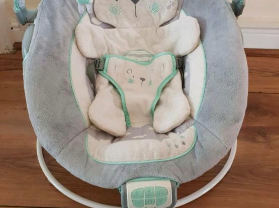 Ingenuity Teddy Bear Bouncer Cradling Baby Bouncer