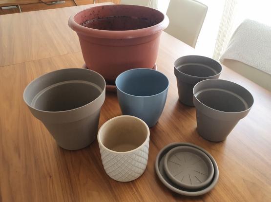 Plant pots, different sizes