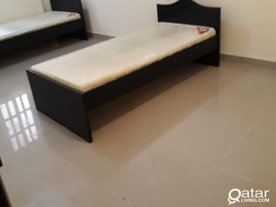 Fully furnished room and bed space available in Binmahmod