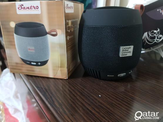Santro Wireless speakers