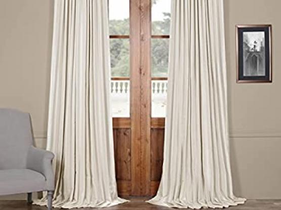 Wonderful Off white curtain like new
