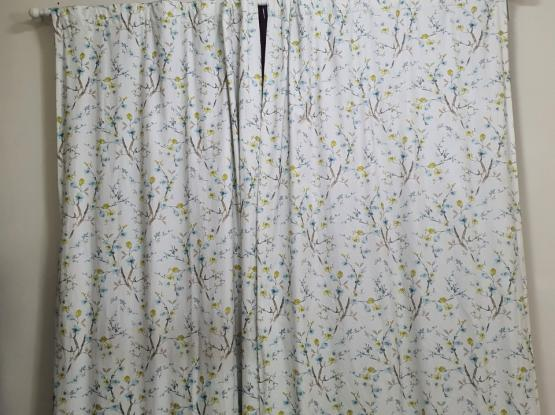 Amazing Home center colory curtain like new