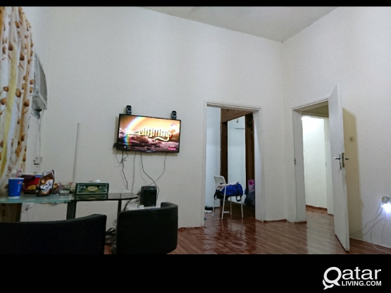 Opposite Lulu Airport 1 bed space From Sep 1