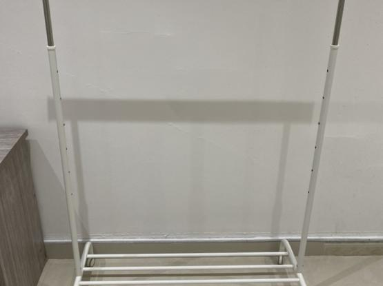 White Stand Cloth Hanger With Wheels