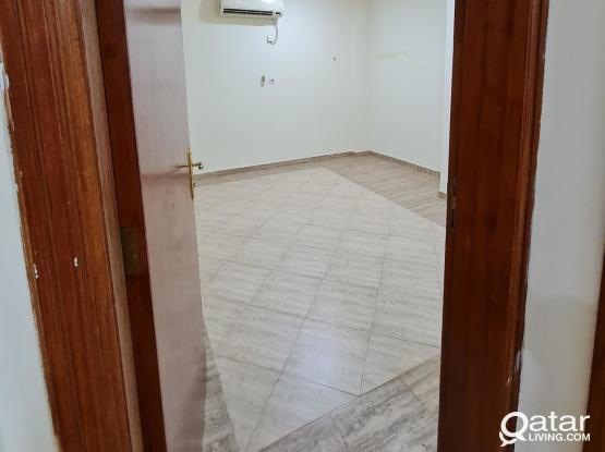 2 Partition Rooms for rent & 1 Big Concete Rooms in Al Sadd 3 minutes walk to Al Asmahk Mall & Joan Metro Station