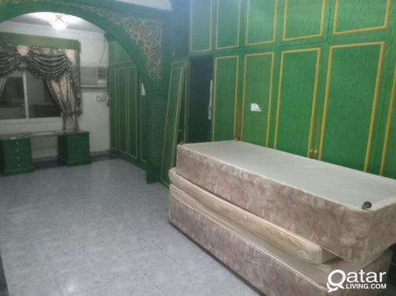 Hot Offer :Spacious Ground Floor 2 BHK  Villa Apartment for Rent at New Salata