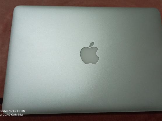 Macbook pro 13 inch retina display (early 2015)