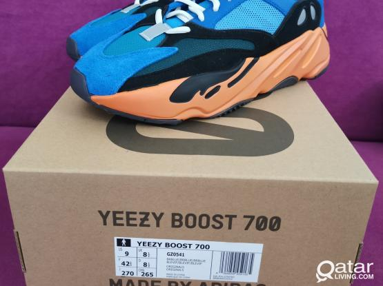 YEEZY 700- BRIGHT BLUE (SIZE 9us)