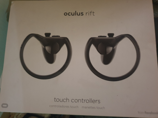 VR Oculus Rift - for PC (with 2 controllers)