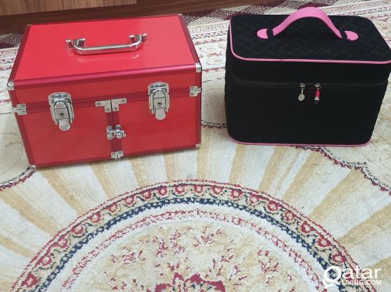 Makeup Box for sale . Both  80 qr ..