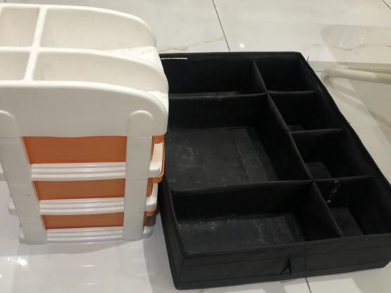 Make Up Organizers Boxes Available