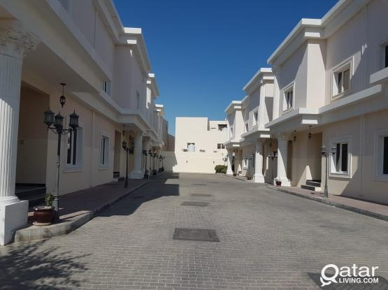 (DIRECT FROM OWNER) No Commission! 5 BHK Compound Villa Available in Thumama